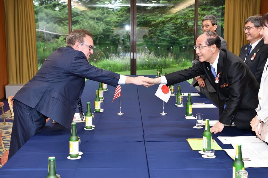 EPA Administrator Andrew Wheeler shakes hands with Japanese Minister of the Environment Yoshiaki Harada during their bilateral meeting.